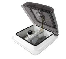 Lyuk Fiamma Skylight s rukoyatkoj i ventilyatsiej 28x28 sm 1