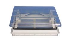 Nakryshnyj lyuk Fiamma Skylight s zatemnennoj shtorkoj i ventilyatsiej 50x50 tsvet hrustal