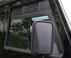 Reshyotka ventilyatsionnaya bokovoe steklo Toyota Landcruiser J15 5 dvernaya s 2009 goda