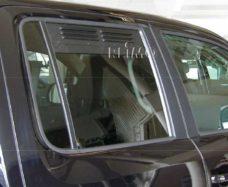 Reshyotka ventilyatsionnaya dlya VW Amarok s 2010 na Zadnee steklo