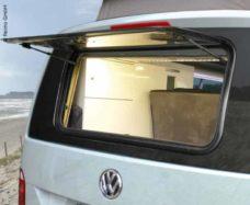 7 Zadnee steklo verhnee visyashhee okno S7 5000 VW T6 960x450