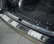 62 Zashhita kromki bagazhnika dlya zadnej dveri VW T6