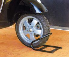 27 MotoWheel Chock Front sistema blokirovki perednego kolesa