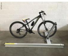 40 Ustrojstvo dlya zagruzki 2 h velosipedov ruchnoe 190 sm dlya pravoj storony