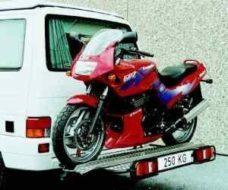 54 Stend rels Dlya bezopasnoj perevozki mototsikla ili skutera do 150 kg s shirinoj shiny maks 135mm