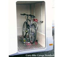 78 Velokreplenie dlya zadgnego garazha kempera Carry Bike Garage Standard na 2 velosipeda